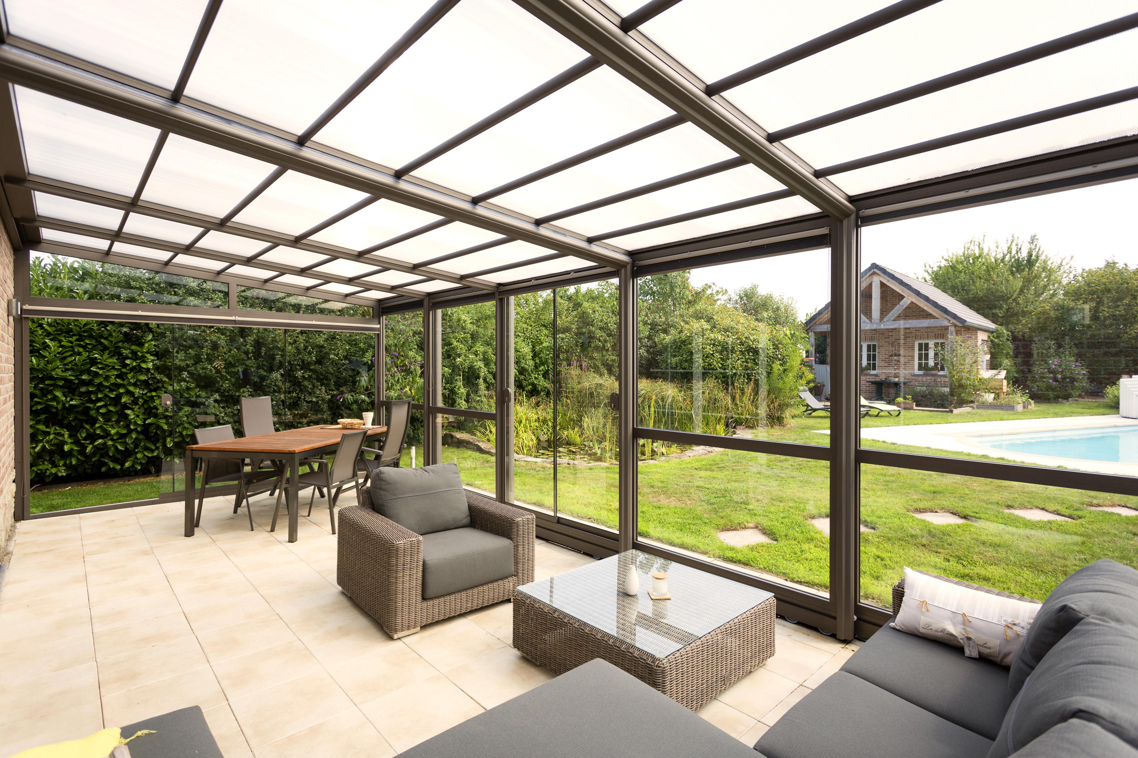 Abri de terrasse en aluminium verandair abris de terrasse for Veranda piscine prix