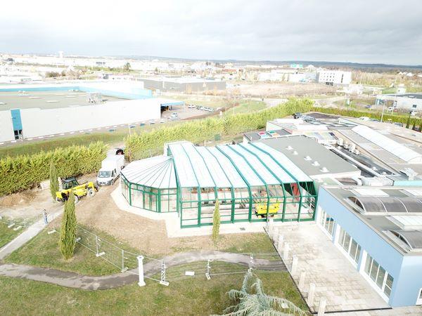 Verandair a conçu et installé la plus grande véranda rétractable au monde