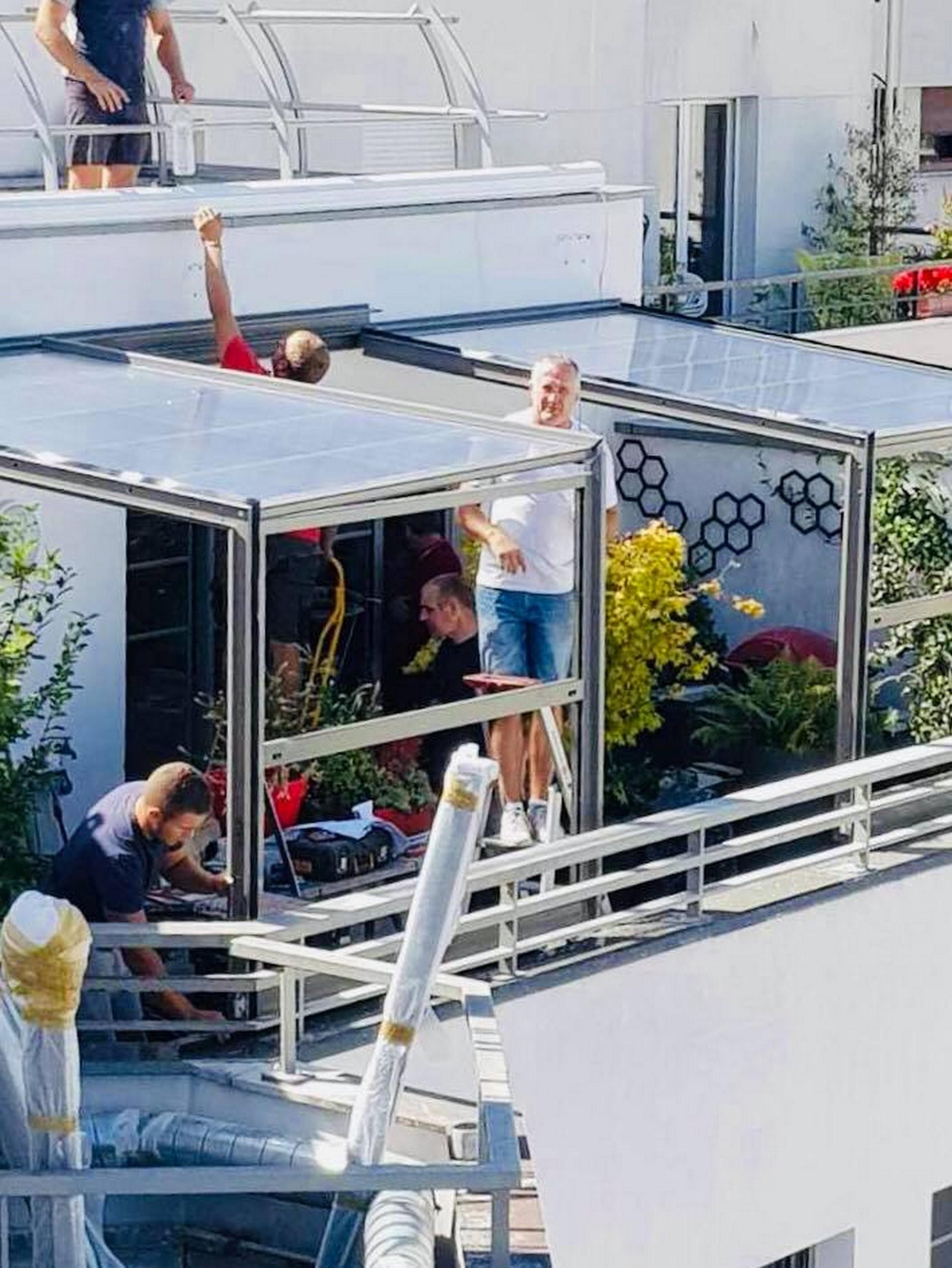 Picture of: Un Abri De Terrasse Sur Les Toits De Paris Verandair