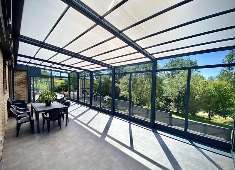 Abri de terrasse bioclimatique en Belgique