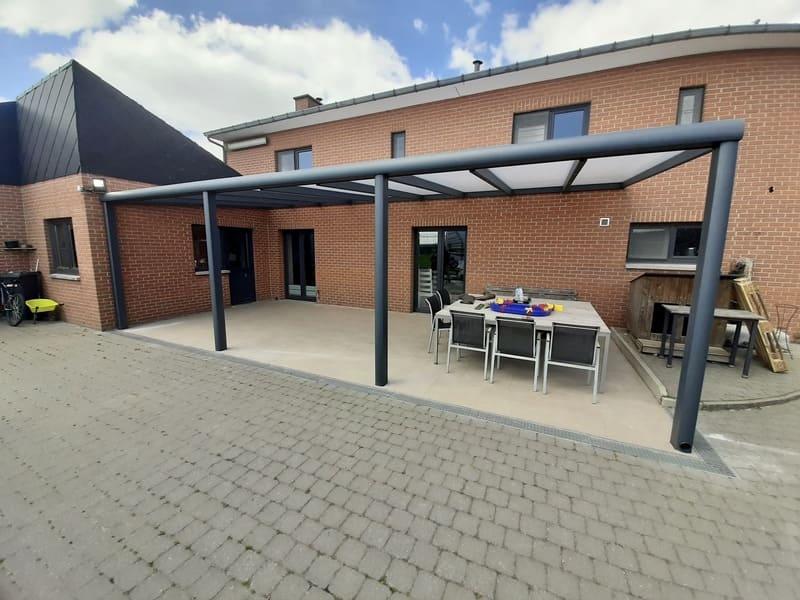 Pergola à toiture fixe pour vos terrasses