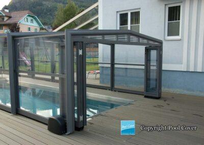 abri-de-piscines-enteree-haut-3-angles-pool-cover-pans-droits-bronze-sans-rail-sol-1-element-fixe