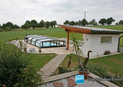 abri-piscine-bas-5-angles-pans-droits-pool-cover-vert-blanc