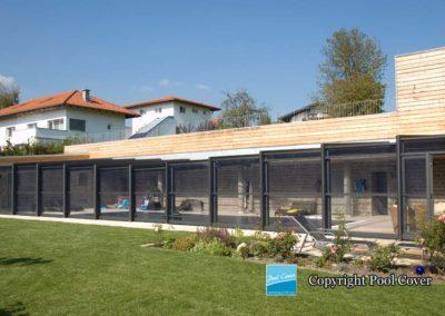 abri-piscine-enteree-haut-mural-pool-cover-pans-droits-bronze-sans-rail-sol-2-elements-fixes-ferme