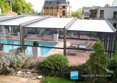 abri-piscine-enteree-haut-pool-cover-pans-droits-bronze-sans-rail-sol-ferme