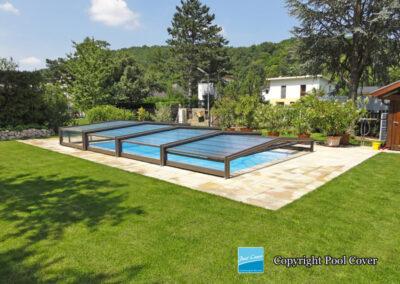 abri-piscine-enteree-pool-cover-bas-pans-droits-bronze-sans-rail-au-sol