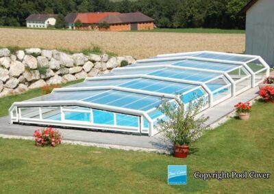 abri-piscines-enteree-pool-cover-bas-pans-coupes-bronze-sans-rail-au-sol-blanc