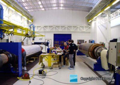 abri-telescopique-pans-droits-salle-industrie-blanc-gris-2-elements-fixes-ferme-vue-interieure