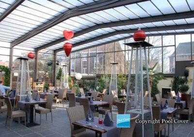 abri-telescopique-retractable-terrasses-restaurant-pool-cover-belgique