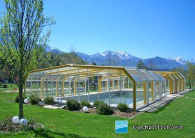 abris-piscines-enteree-haut-pool-cover-pans-coupes-blanc-jaune-2-elements-fixes