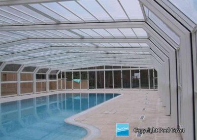 ausfahrbare-freibad-und-terrassenueberdachung-grosse-ueberdachungen-nach-mass-poolcover